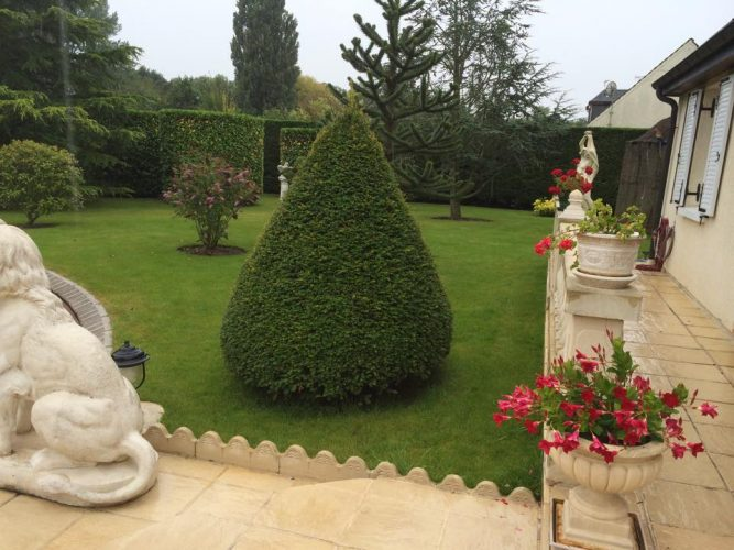 Jardinier paysagiste entretien de jardin greco paysages for Entretien jardin 95