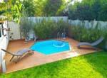 Piscine bassin d'eau terrasse en bois